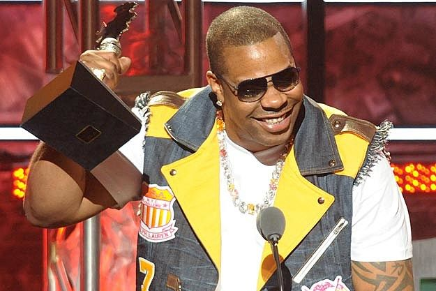 Busta Rhymes vyhral cenu Best Featured Verse za 'Look at Me Now' na BET Hip-Hop Awards
