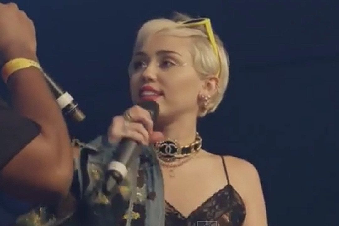 Xem Cameo bất ngờ của Miley Cyrus tại Mike Will Made-It's SXSW Show [NSFW VIDEO]