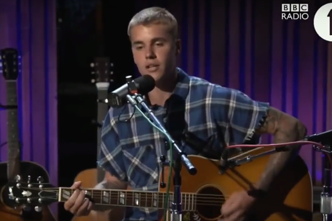 Justin Bieber Covers Tracy Chapman 'Fast Car', Tupac's 'Thugz Mansion' on 'Live Lounge