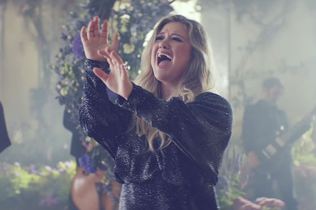 Crianças, River and Remington, de Kelly Clarkson, Make Adorable Appearance no vídeo 'Meaning of Life